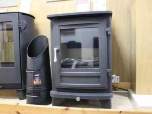 Chesneys Salisbury 6 Series Multi-Fuel Stove in Matt Black (Norwich) - Was £1600 NOW £799